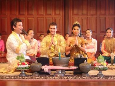 Dịch tiếng khmer sang tiếng việt và tiếng anh